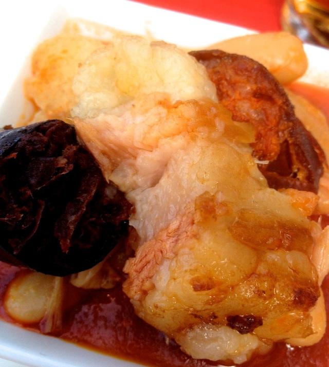 Another take on the classic dish, Fabada Asturiana, eaten in a very decent restaurant, Molin de la Pedrera, in sleepy Cangas de Onis.
